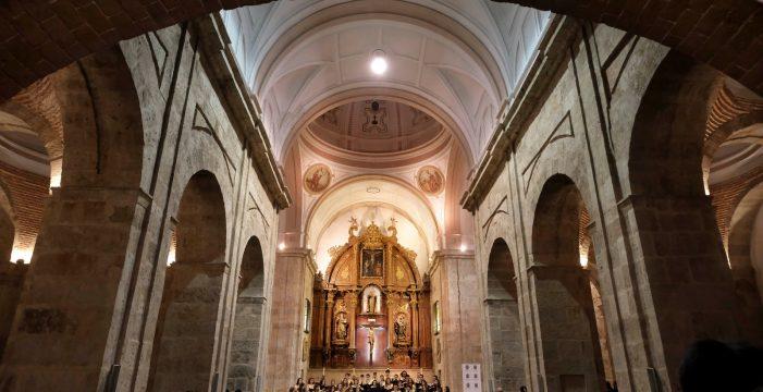 El Coro de la UPSA volvió a emocionar en su concierto de Navidad