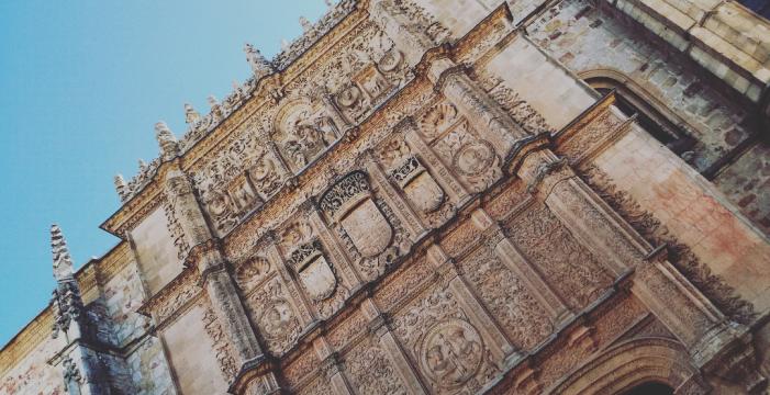 Las Cortes de Castilla y León conceden a la Universidad de Salamanca la Medalla de Oro