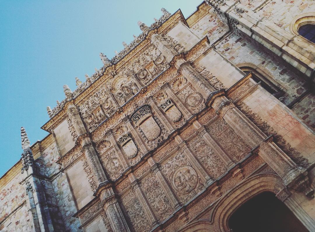 El Ayuntamiento de Guijuelo reconoce la labor académica e investigadora de la Universidad de Salamanca