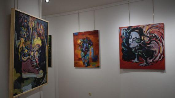 El espacio Joven acoge la exposición '¿Qué va primero, el lenguaje o la realidad?'