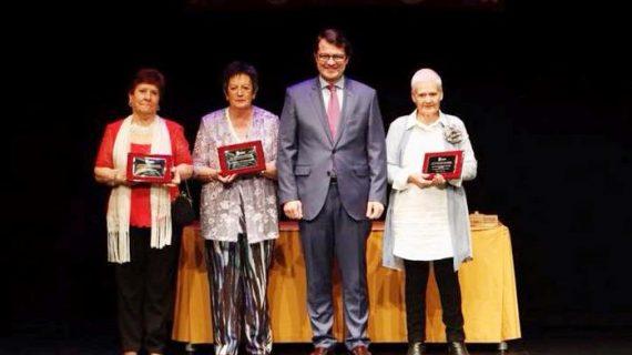 El Liceo vive una noche emotiva con el homenaje a tres mujeres salmantinas de bandera