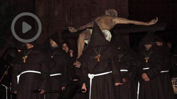 El Cristo de la Humildad procesiona por primera vez en Salamanca
