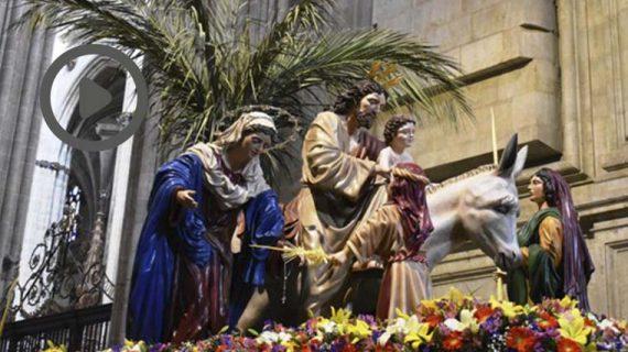 Los momentos más íntimos previos a la procesión de 'La Borriquita'