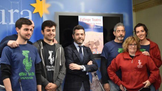 La compañía salmantina 'Esfinge Teatro' trae al liceo el estreno absoluto de 'Mujeres de Arena'
