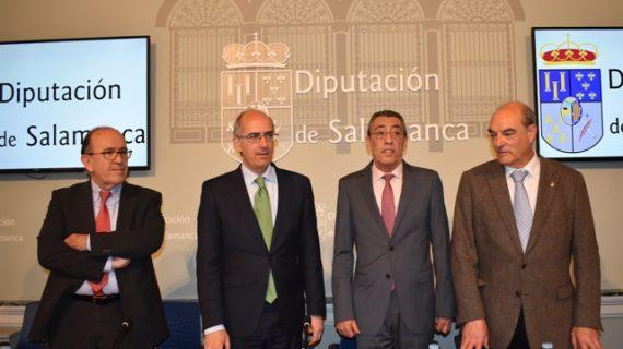 La Junta y la Diputación firman un convenio para la eliminación de 61 escombreras