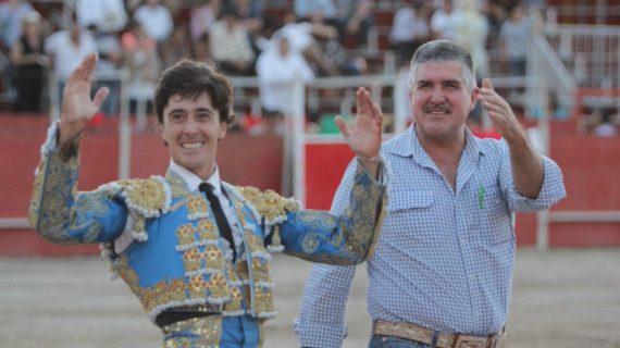 El Capea indulta un toro en México