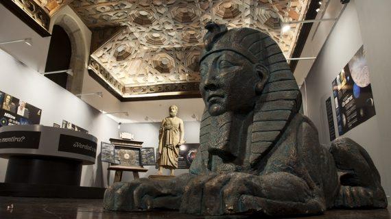 La exposición 'Con A de astrónomas' llega a Salamanca