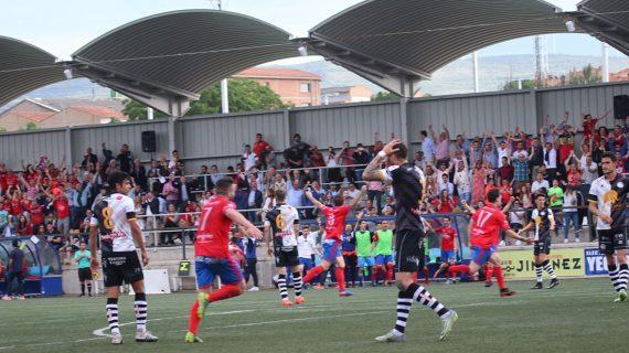 Unionistas de Salamanca cae 4-3 frente al Tarazona en un partido loco