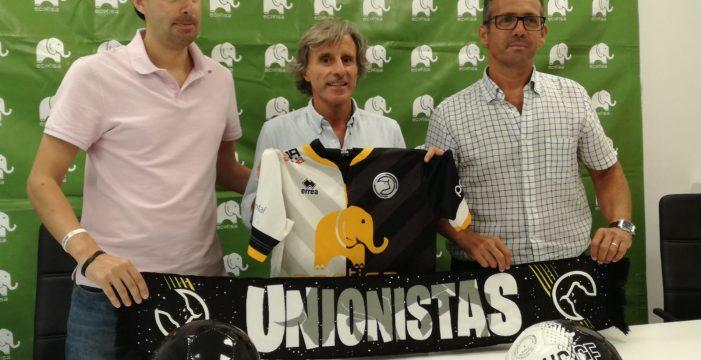 Roberto Aguirre, presentado como nuevo entrenador de Unionistas de Salamanca