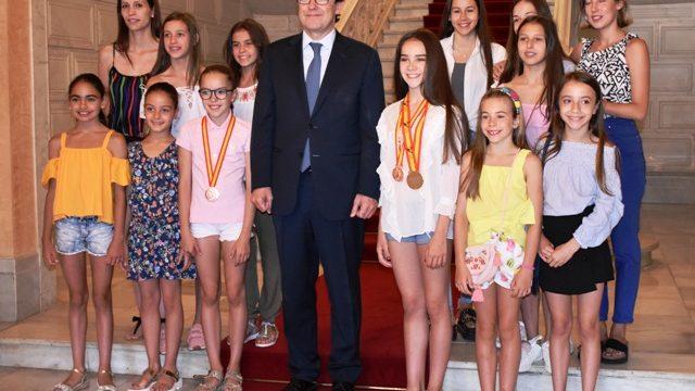 El Club Rítmica Salamanca ha visitado hoy el Ayuntamiento