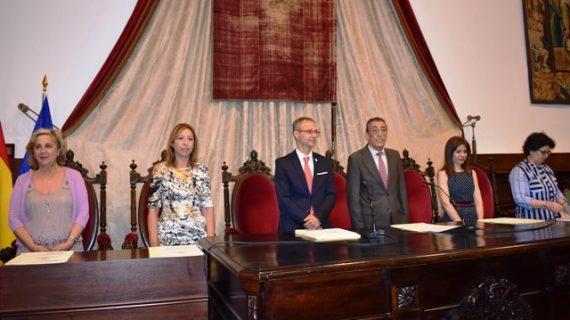 Los salmantinos con mejores resultados en EBAU, premiados por la Universidad de Salamanca