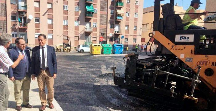El Ayuntamiento mejora el asfaltado de medio centenar de calles y plazas