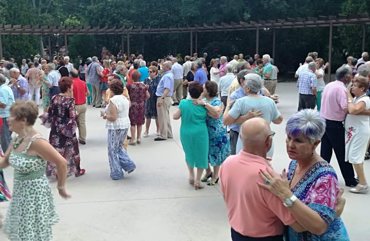 Los bailes de verano para personas mayores, este fin de semana en los parques de Salesas y Jesuitas