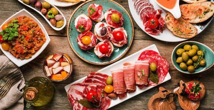 Los estudiantes de español recibirán también clases de gastronomía española
