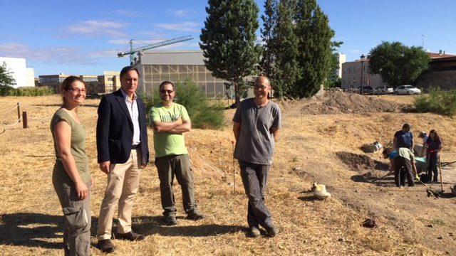 El Ayuntamiento impulsa la investigación arqueológica en el Cerro de San Vicente
