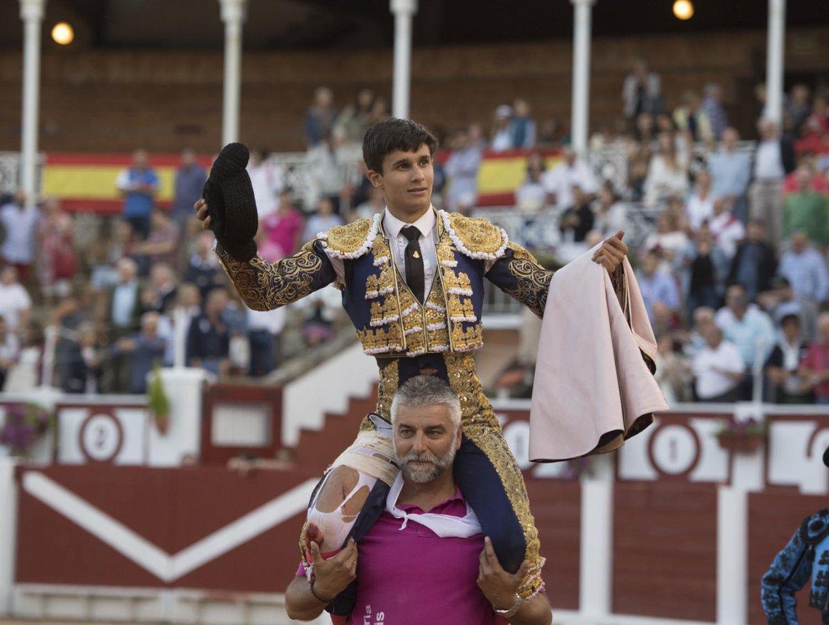 Rotundo triunfo de Manuel Diosleguarde en Gijón