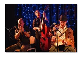 """El trío Alan Bike """"Los tres cerditos"""" este jueves en """"Verano se escribe con blues"""""""