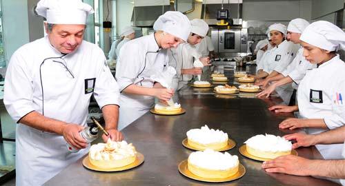 Un nuevo convenio colectivo mejorará las condiciones laborales de los pasteleros salmantinos