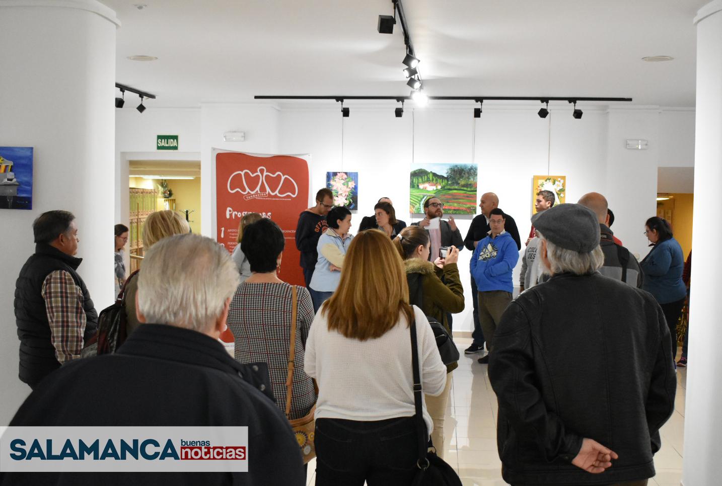 El Espacio Joven acoge la exposición de las obras de 14 artistas participantes en el Taller de Artes Plásticas de la Fundación AVIVA