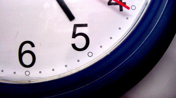 ¿Cómo evitar que nos afecte el cambio horario?