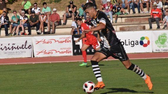 Un gol de Diego Hernández saca a Unionistas del 'pozo'