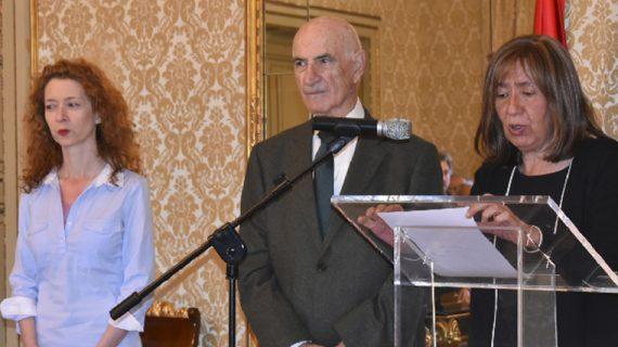 Maria José Fresnadillo ha recibido hoy en el Ayuntamiento a la Asociación 'Salud Mental Salamanca'