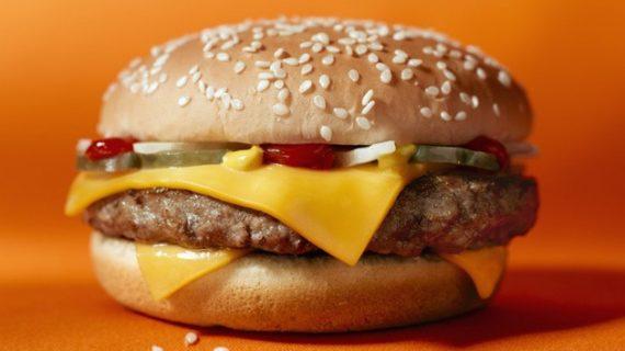 Una conocida cadena de comida rápida ofrece ya su servicio a domicilio en Salamanca