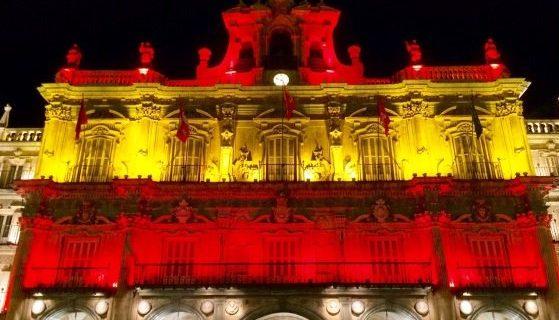 La fachada de la Plaza Mayor se iluminará con la bandera nacional