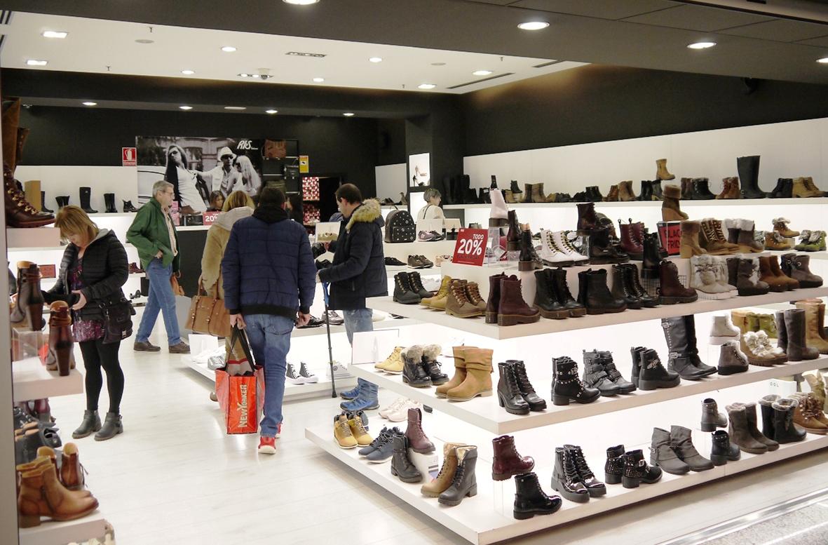 El Centro Comercial El Tormes abrirá las tiendas hasta las 12 de la noche por el Black Friday