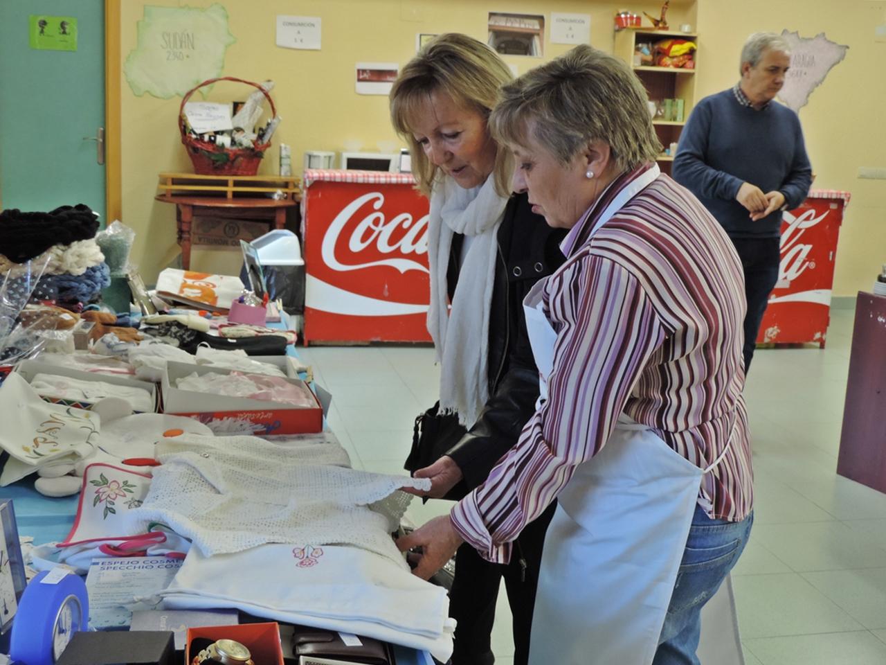 Cristina Klimowitz inaugura la decimosexta edición del Rastrillo Solidario del Milagro