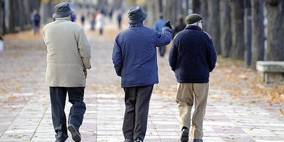 Lanzan una nueva campaña para fomentar los hábitos saludables entre personas mayores en esta época