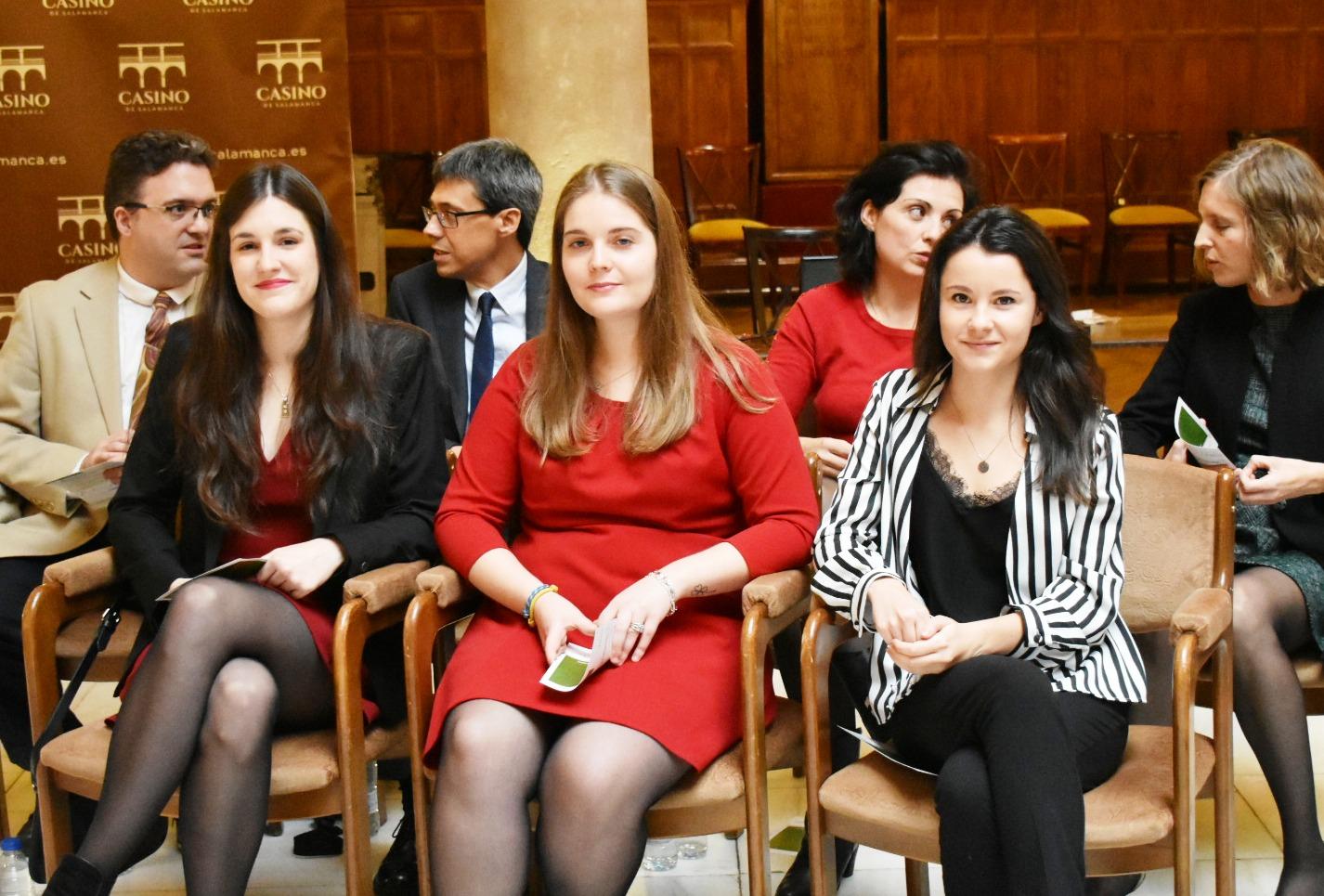 La AECC Salamanca ayuda con 600.000 euros a siete jóvenes investigadores