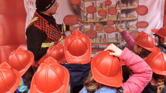 La Semana de la Prevención de Incendios comienza con la visita de varios escolares