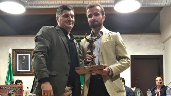 Méntrida premia a Damián Castaño