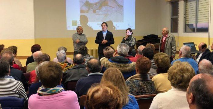Carbayo informa a los vecinos de Chamberí de las mejoras que se realizarán en su barrio