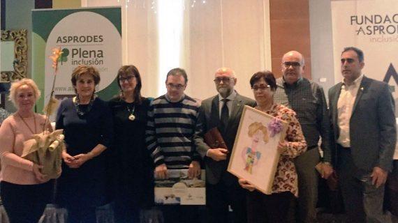 El V Premio Asprodes ha recaído este año en el psicólogo Javier Tamarit