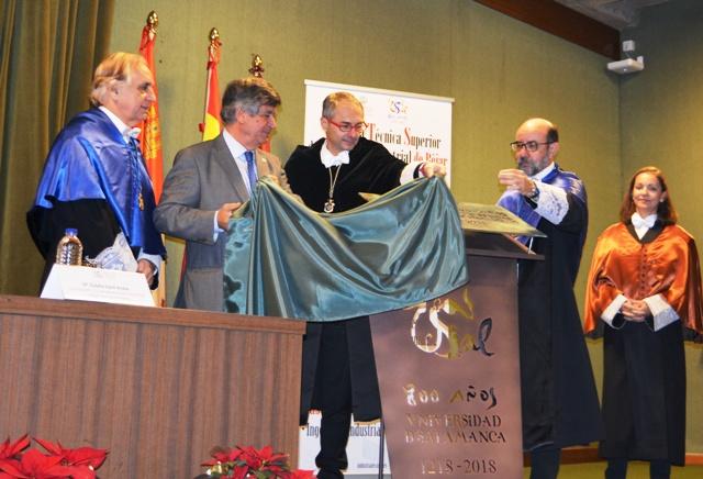 Béjar rinde homenaje a la Universidad de Salamanca