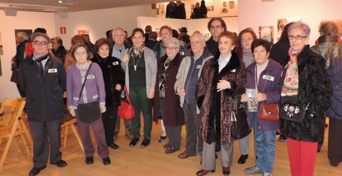 Isabel Macías inaugura la exposición 'Con mi mirada'