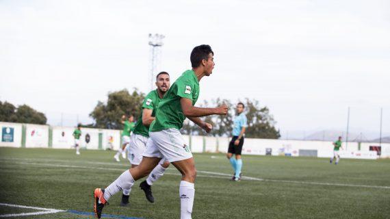 """Javi Borrego: """"Sería bonito que mi primer gol en Segunda B fuera en el derbi contra Unionistas"""""""