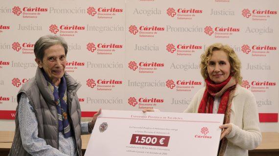 La Universidad Pontificia entrega a Cáritas los 1.500€ recaudados en la San Silvestre