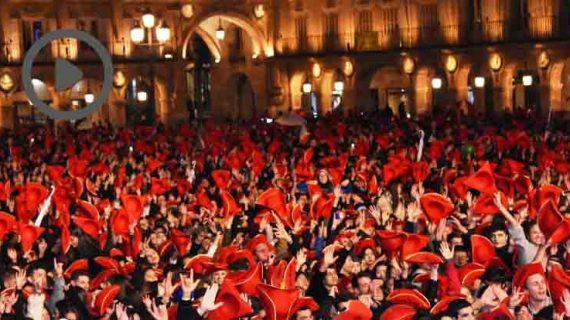 Salamanca vivió así la noche más intensa del año: la Nochevieja Universitaria