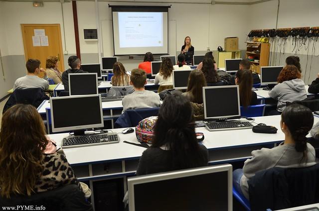 Confaes concluye la formación para la búsqueda de empleo de 200 estudiantes
