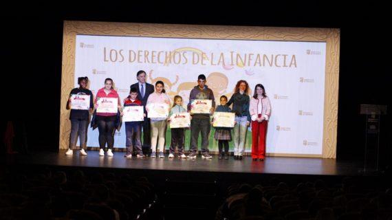 Más de 1.000 escolares participan en las actividades con motivo del Día Universal de los Derechos de la Infancia