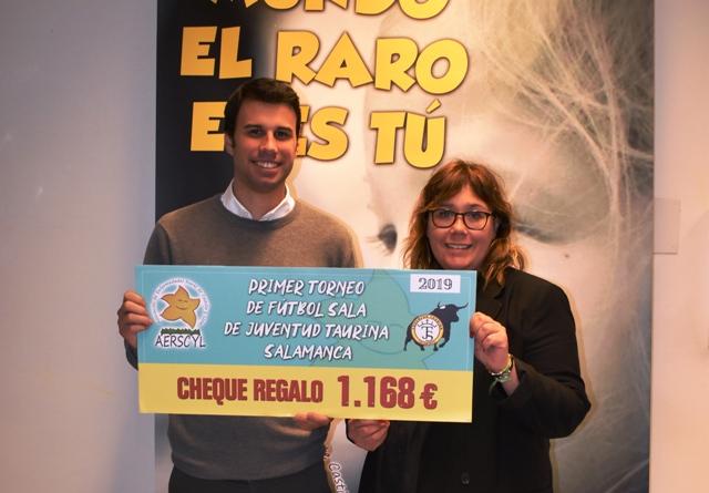 Juventud Taurina de Salamanca dona más de 1.000 euros a Aerscyl tras el I Torneo de Fútbol