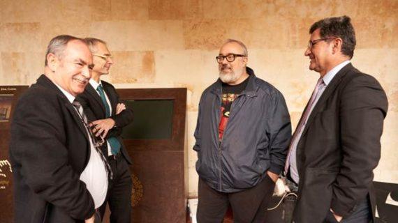 Álex de la Iglesia rueda en la Universidad de Salamanca la serie '30 monedas' para HBO