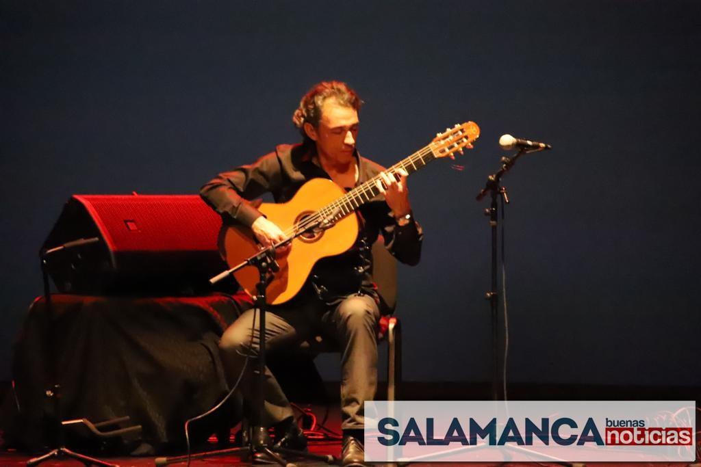 Emotivo concierto del salmantino José Luis Encinas en el Liceo