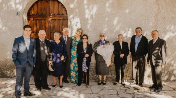 Sergio, el niño salmantino bautizado en presencia de sus ocho bisabuelos