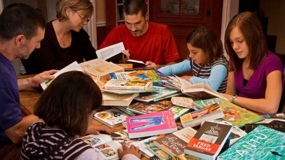 'La casa de los cuentos' es el nuevo programa familiar de lectura durante la Navidad