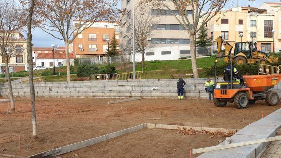 La avenida de Salamanca remodela las zonas de juegos infantiles, pistas deportivas y aparatos biosaludables