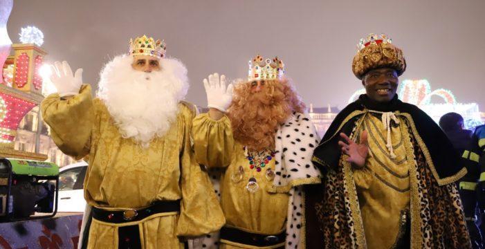 Sus Majestades los Reyes Magos de Oriente llegan a Salamanca para cumplir los deseos de todos